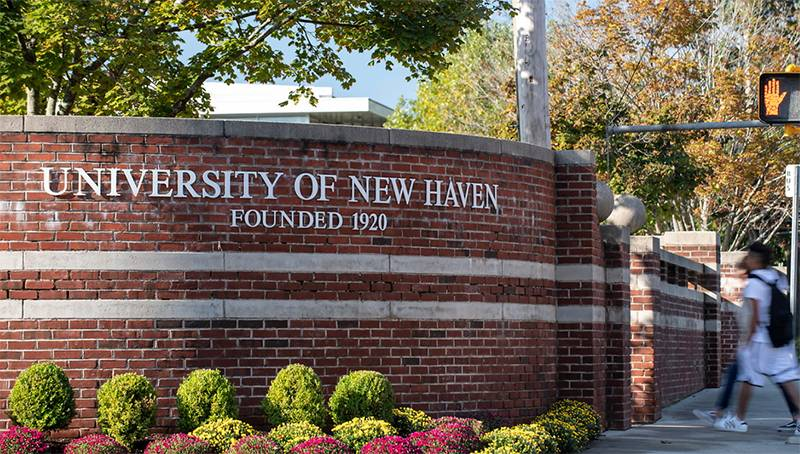 University of New Haven Sign