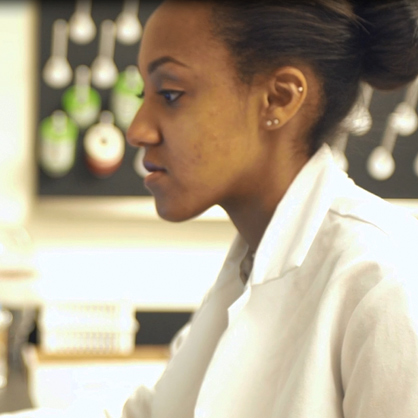 An image of Phylicia Kidd '16, a biology alumnus at the University of New Haven.